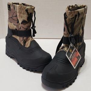 Game Winner Boys Camo Snow Stomper II Boots Size 5
